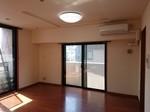 令和2年8月11日 目黒区マンション リビング 施工前.JPG